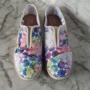 Tom's embroidered rainbow flat shoes 11